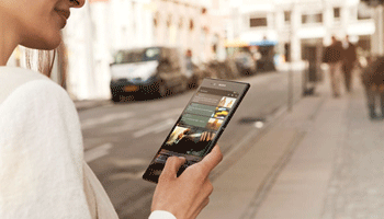 Sony Xperia Z Ultra Phablet Full HD si display gigant
