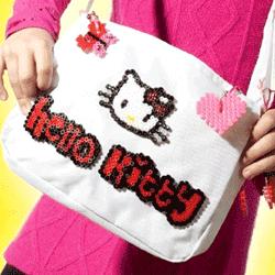 vezi in magazinul online Set margele si gentuta Hello Kitty Jucarii pentru fetite