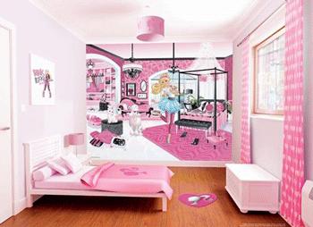 Tapet in culoare predominanta roz pentru camera de fetite, cu Barbie si camera ei.