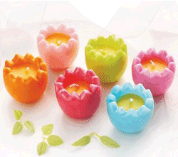 Lumanari de Paste sub forma de oua colorate