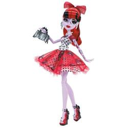 Papusa originala Mattel Monster High Operetta este articulata, putand fii astfel asezata in orice pozitie si are dimensiunea de 30 cm.
