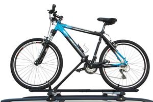Ciclo Pro Hakr este un suport de bicicleta clasic si economic, confectionat din otel in profil V special creat astfel pentru a conferi o siguranta mai mare a bicicletei in timpul transportului cu masina.