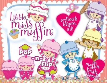 Cu siguranta, din multitudinea de caractere Miss Muffin: Plum (pruna), Cinnamon (scortisoara), Cherrie (cherry - cireasa), Coconut (nuca de cocos), Pumpkin (dovleac), Sugar (zahar), Vanilla (vanilie) sau Blueberry (afina)  veti gasi Papusa Briosa perfecta pentru fetita dvs.