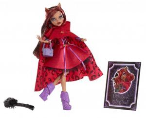 Setul include: papusa Monster High Clawdeen Wolf deghizata in Scufita Rosie, un stativ, un pieptan, un caiet cu notite.