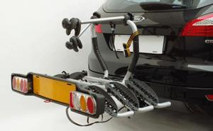 Suportul de biciclete Peruzzo Siena 669 este dotat cu suport de numar ce este prevazut cu stopuri si semnalizari. Poate transporta 2 biciclete.