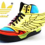 Adidas cu aripi Jeremy Scott