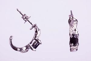 Cercei semicerc argint cu safir si diamant alb