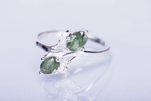 Inel argint cu safir verde