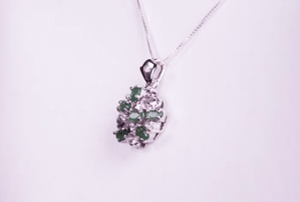 Pandantiv argint cu piatra smarald