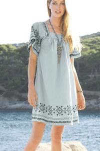 9 rochite si rochii brodate de sezon