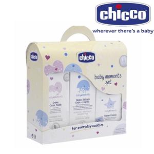 Setul de cosmetice cadou de la Chicco Baby Moments