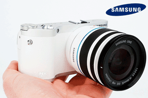 Samsung NX300 aparat foto mirrorless.  Samsung NX300 aparat foto mirrorless. Un aparat mirrorless decent cu multe functii interesante pentru cei in pas cu tehnologia