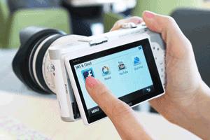 Samsung NX 300 ofera optiuni multiple