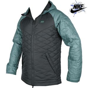 Geaca Nike Cascade Jacket pentru barbati