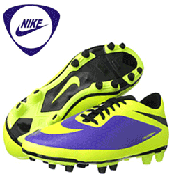 Adidasi si ghete fotbal Nike seria HyperVenom