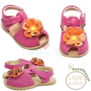 Sandalute din piele naturala cu floricele pentru fete si fetite