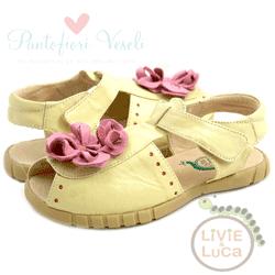 Sandale galbene din piele pentru fete si fetite accesorizate cu floricica