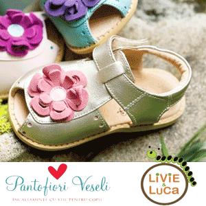 Sandalute de calitate model cu floricele din piele naturala Livie and Luca