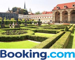 Gradinile si Palatul Wallenstein Praga astazi Senatului Republicii Cehe