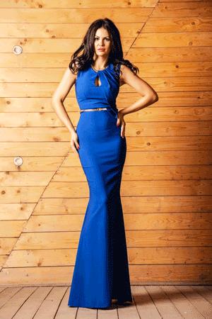 Rochii de seara si evenimente speciale lungi, de culoare albastra, ce evidentiaza talia