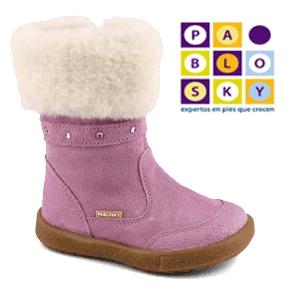 Cizme de iarna din piele naturala pentru fetite mici.