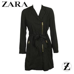 Pardesiu Zara Collection Black, pardesiu de dama de culoare negru, cu buzunare si fermoar metalic in fata, cordon atasat in fata si aspect lejer.