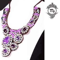 Colier Fantasy cu mărgele din pietre agat violet. Colier Fantasy cu lungime reglabilă(45-47.5cm) cu sfoară cerată negru, decorat cu mărgele din agat violet.
