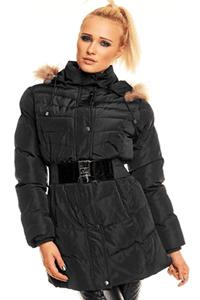 Jacheta lunga de iarna, de culoarea neagra