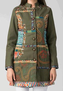 Palton brodat din lana Peace and Love