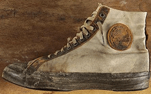 Primele perechi de bascheti Converse 1917