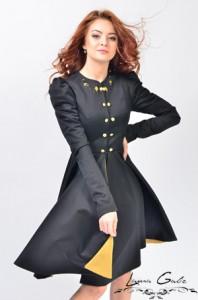 Palton de primavara Laura Galic