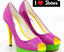 Se poarta pantofii cu toc in culori extravagante