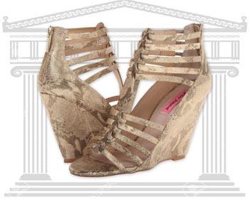 Sandale cu platforma Betsey Johnson Bonito Gladiator
