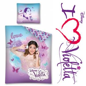 Lenjerie de pat pentru fetite cu personajul Disney Violetta pentru fetite dimensiuni: 160x200cm. Setul contine: husa pilota 160x200 cm si husa perna 70x80 cm. Material: 100 % bumbac.