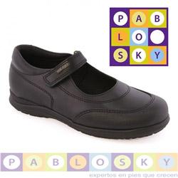 Pantofi negri pentru scoala marca Pablosky