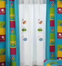 Draperii broscute pentru camera copilului