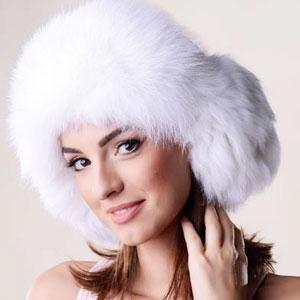 Caciulă de blana pentru femei din piele nappa de miel si blana naturala de vulpe polara alba