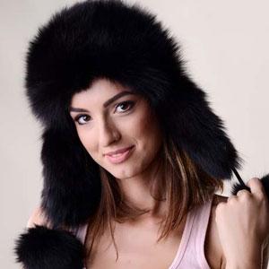Caciulă de blana pentru femei din piele nappa de miel si blana naturala de vulpe polara neagra