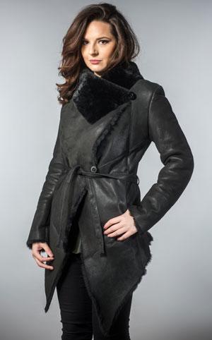 Palton lung chic negru din piele si blana naturala