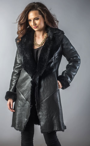 Palton lung negru din piele si blana naturala