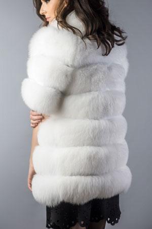 Vesta din blana naturala de vulpe polara alba