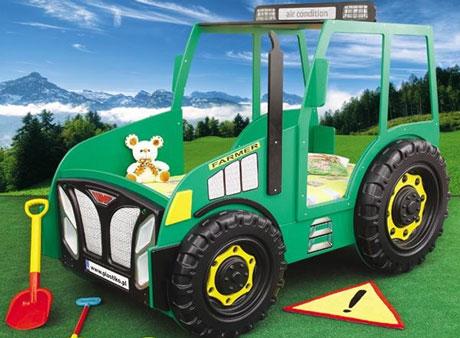 Patut copii sub forma de tractor