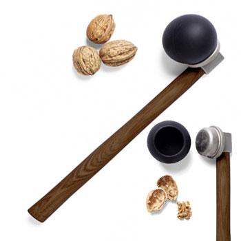 Ustensile de bucatarie Spargator de Nuci Nut Hammer din Lemn si Inox